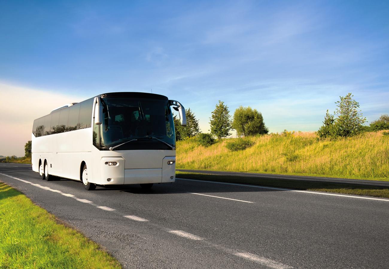 Bus_auf_Strasse_vom_RDA